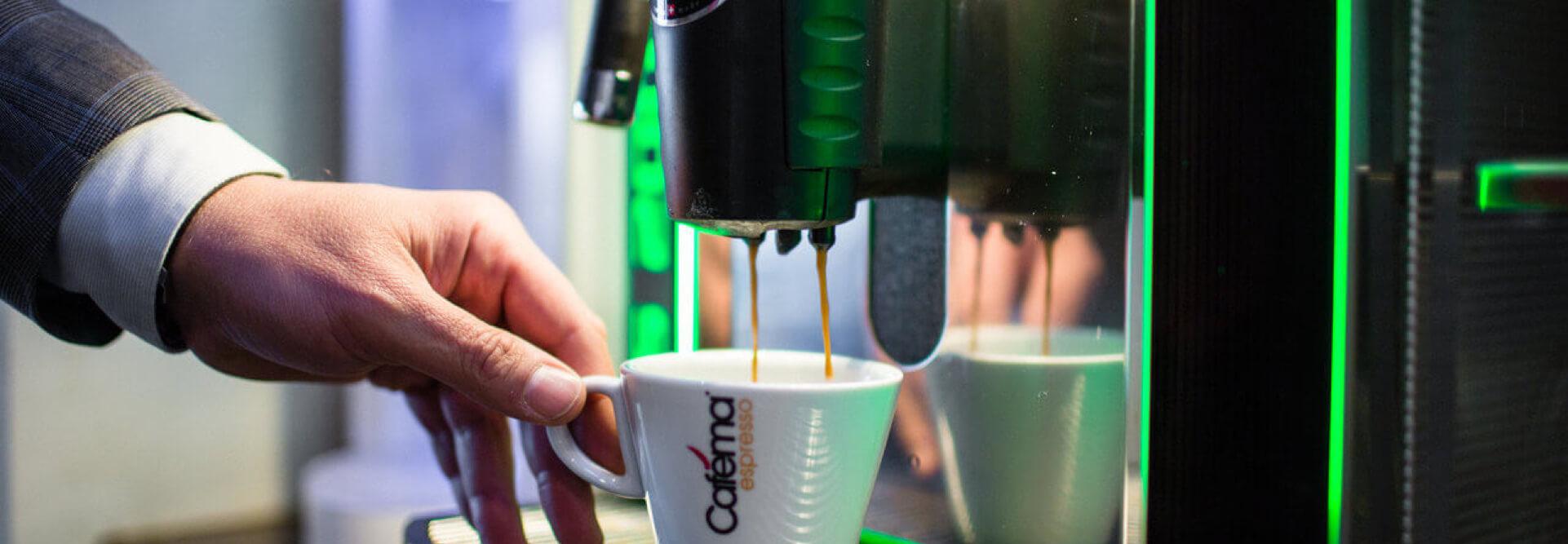 Cafema_koffie_op_het_werk (header).jpg